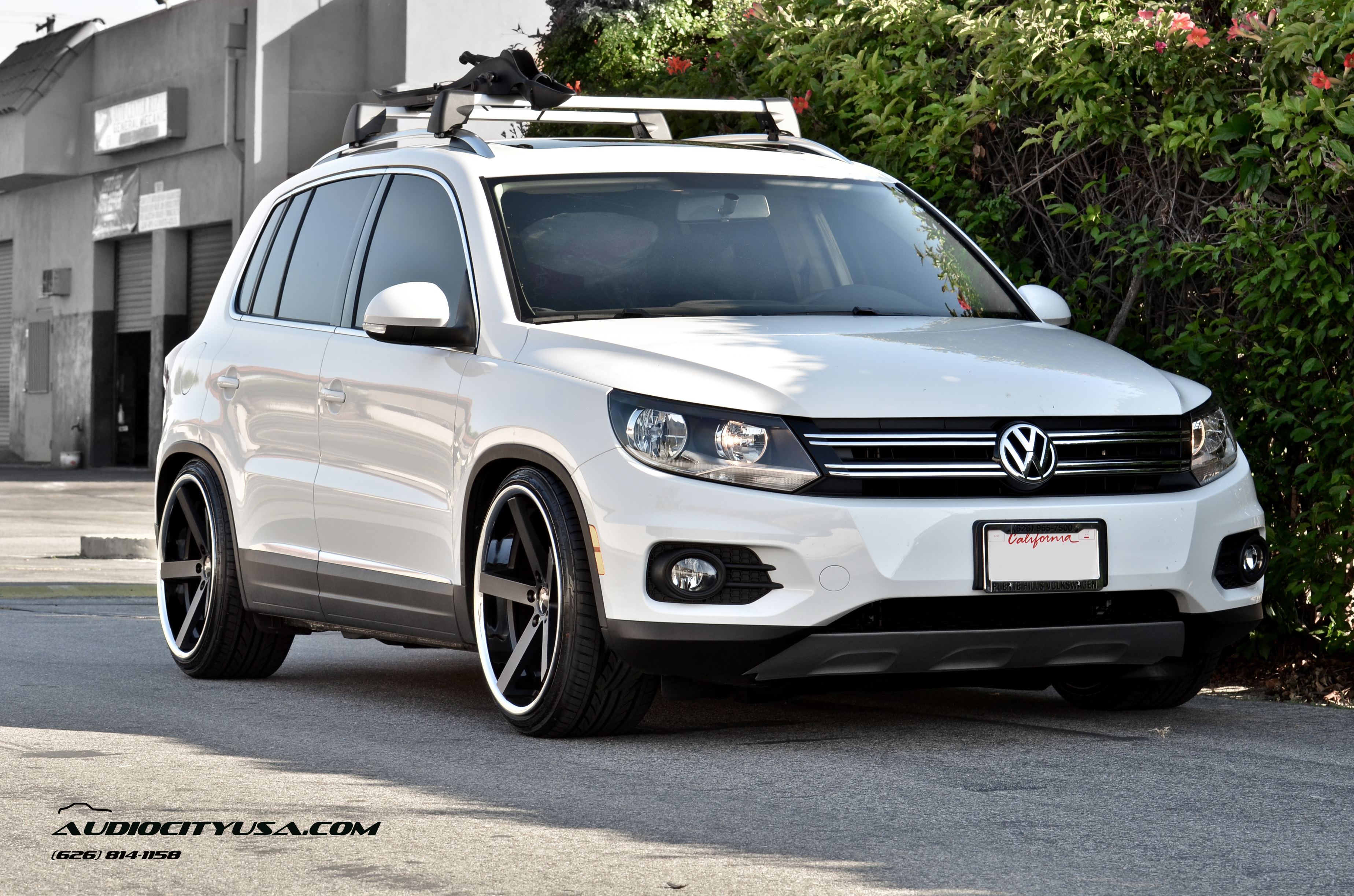 Giovanna Mecca Black 20X10 on 2013 Volkswagen Tiguan