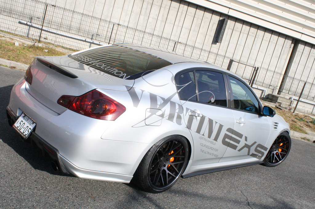 Vertini Concave Magic Matt Black on Silver Infiniti G37
