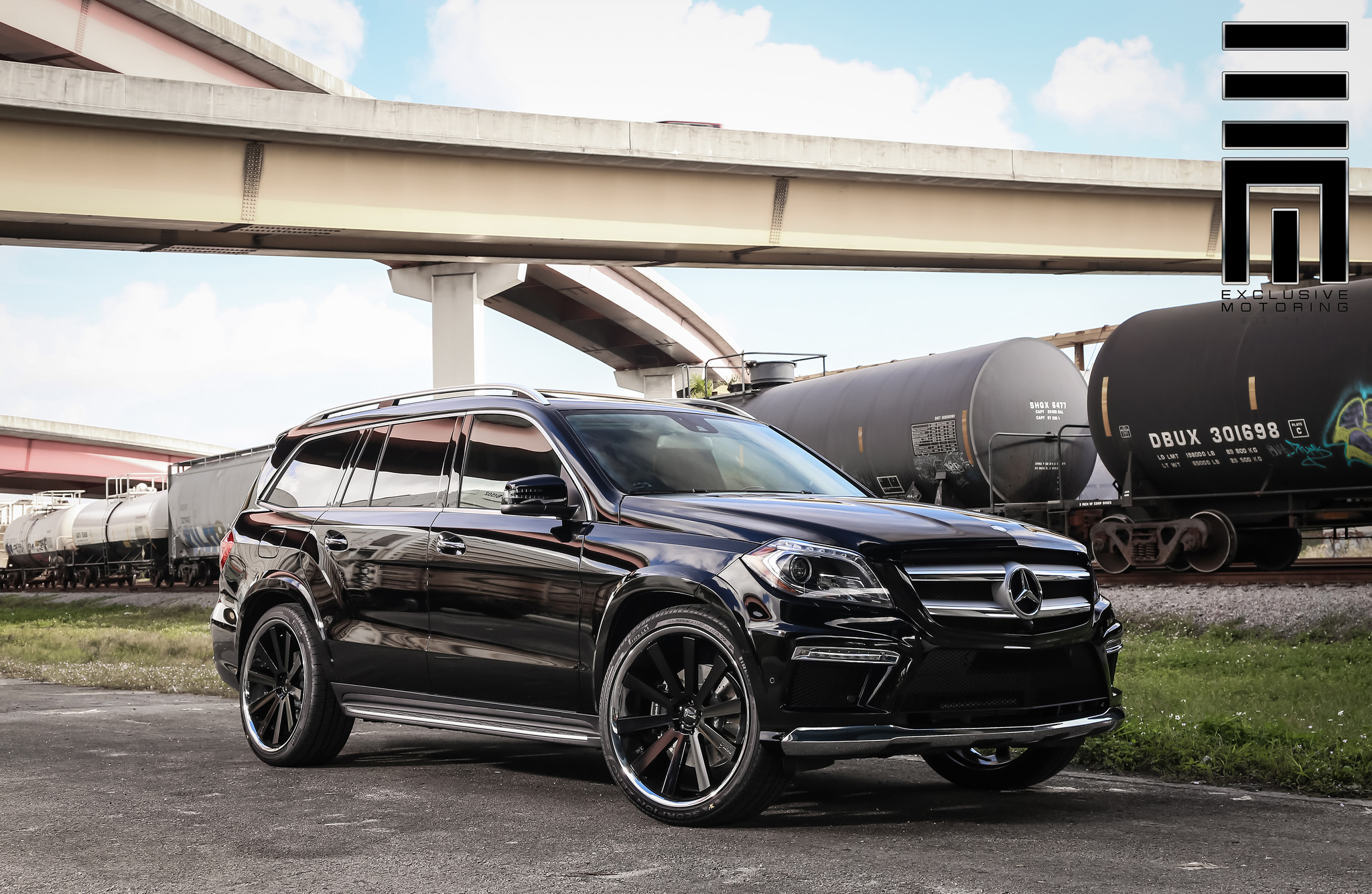 Gianelle Santo 2SS Black on Mercedes Benz GL