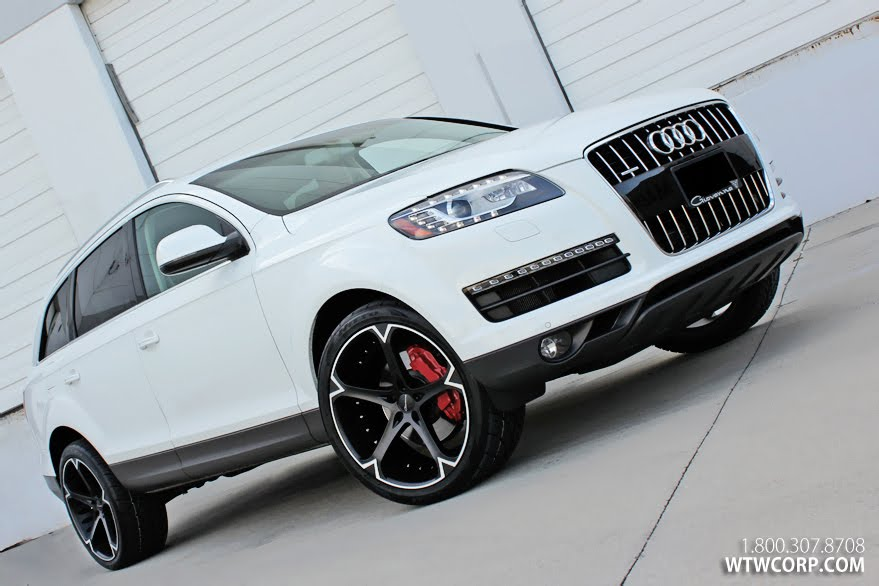 Giovanna Dalar-5V on Audi Q7