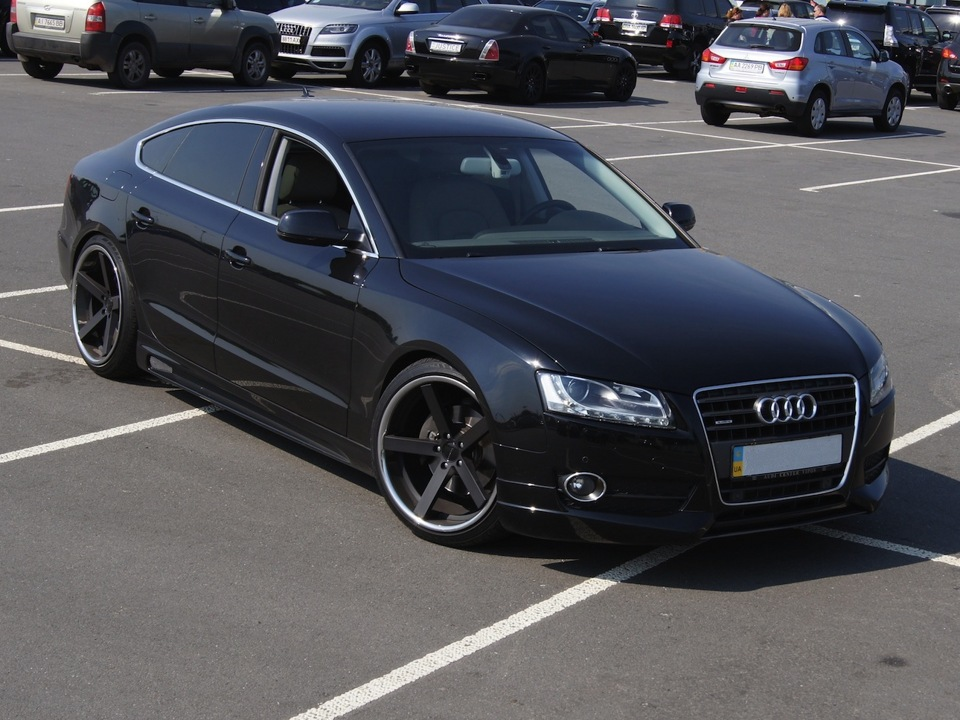 Giovanna Mecca Black with Machined lip on Audi A5 Sportback