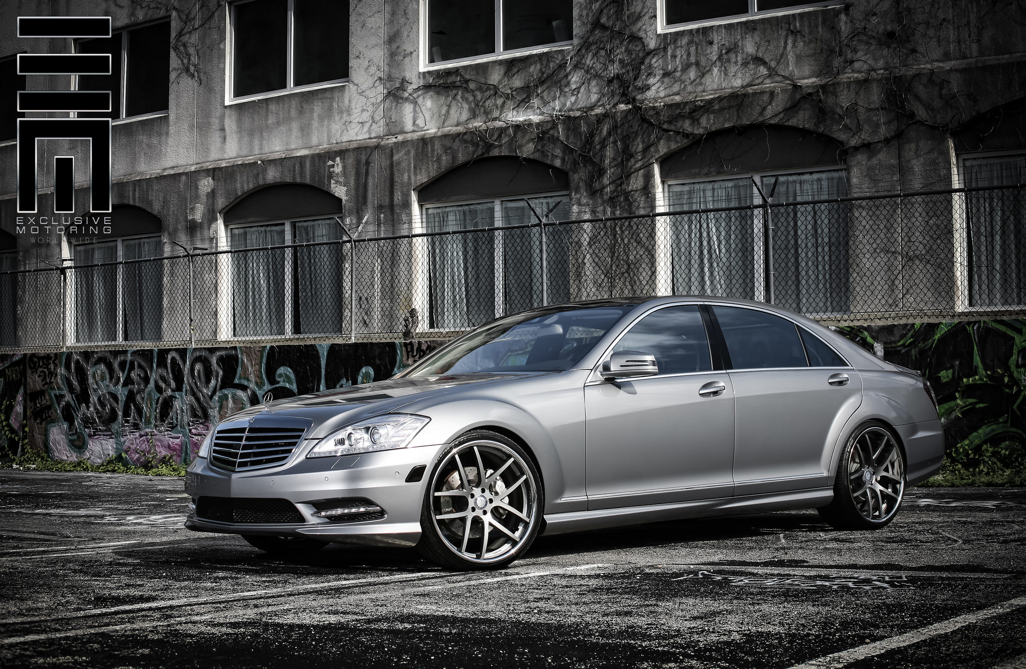 Giovanna Monza r22 Custom Painted on Mercedes Benz S class W221