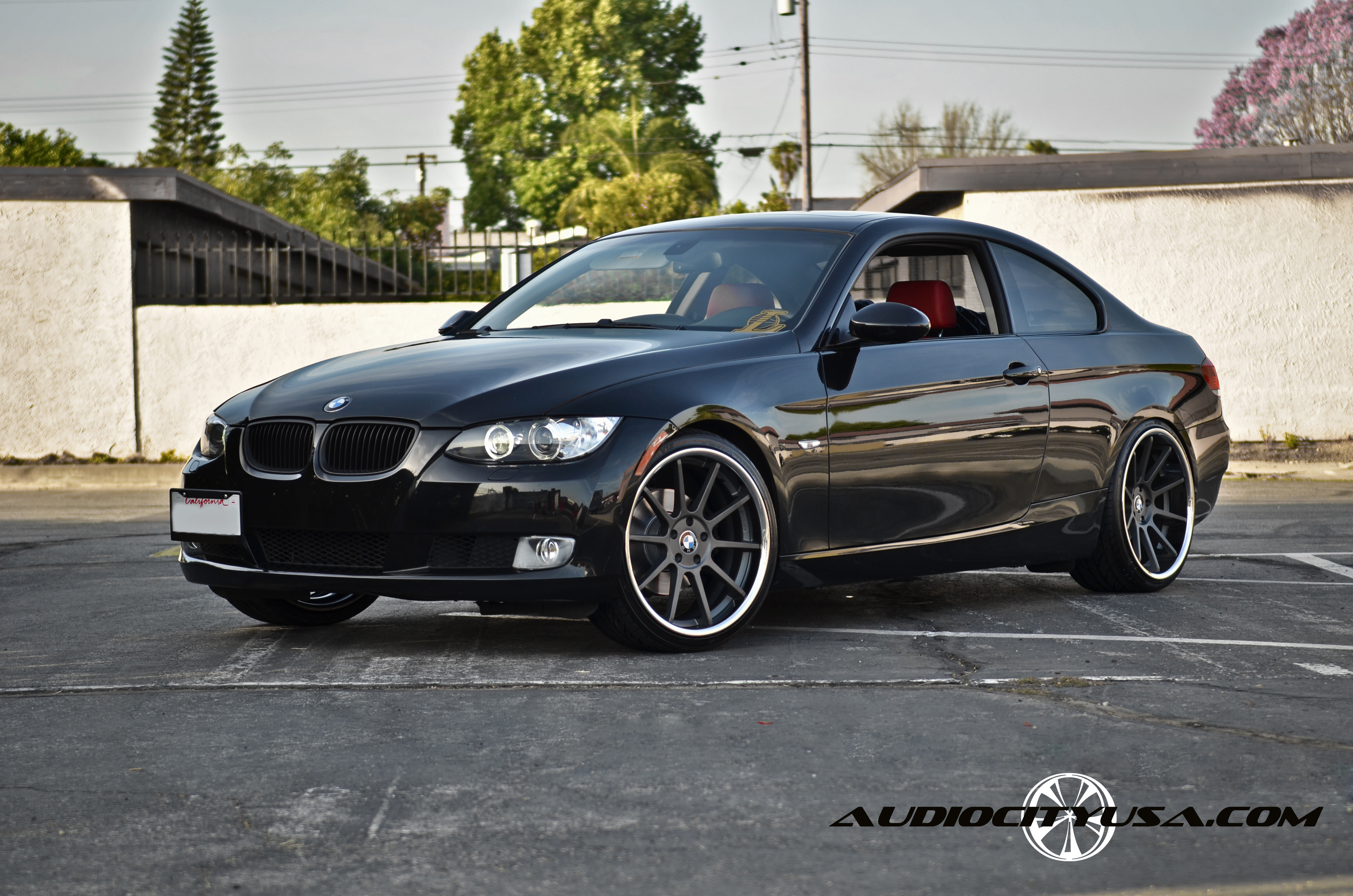 Koko Kuture Lindos Black r20 on BMW 3 series