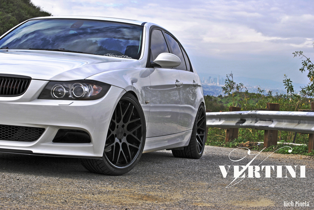 VERTINI CONCAVE MAGIC ON BMW E90 ( MATT BLACK )