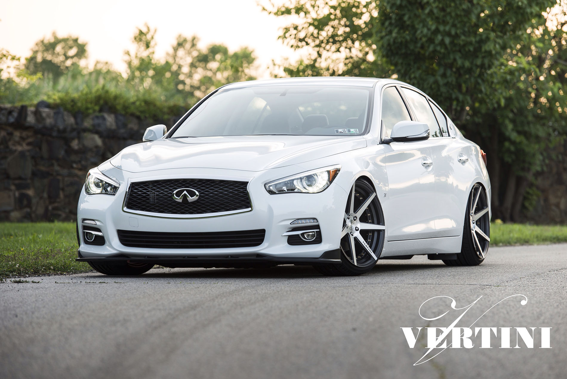 Vertini Dynasty Slate Grey Machined on Infiniti Q50
