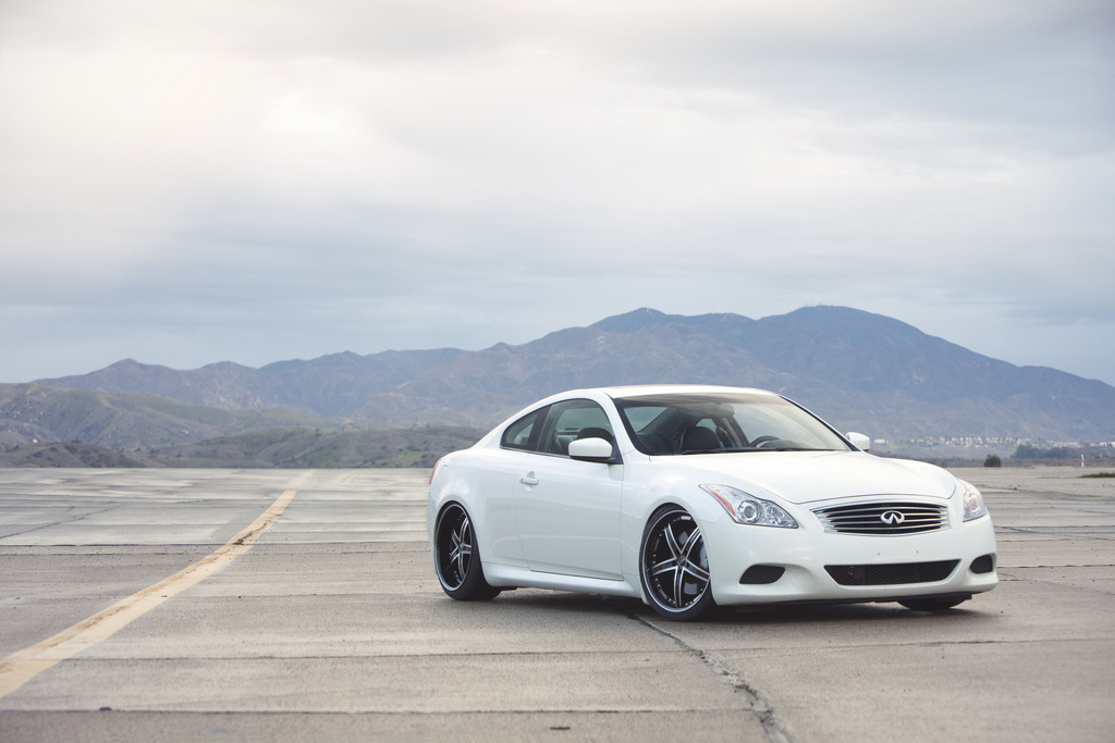 Vertini Failady on Infiniti G37S - Black lip