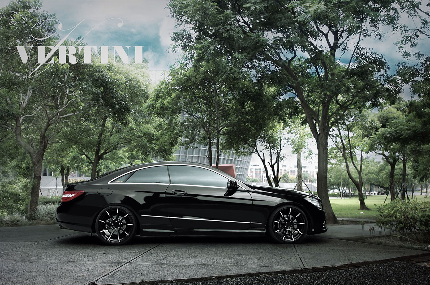 Vertini Flying Black 20' on Mercedes Benz E550 Coupe